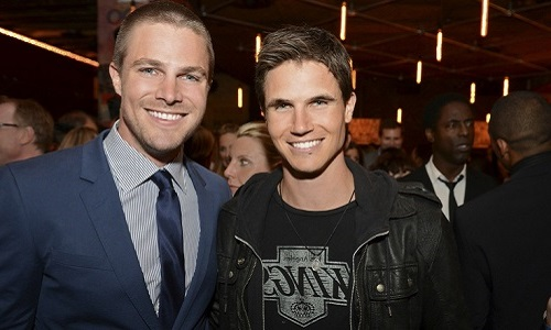 The CW Network's 2013 Upfront Party at Finale in New York City on Thursday, May 16, 2013 – Image Number: UF2013_5654r.jpg – Pictured (L-R): Robbie Amell ('The Tomorrow People') and Stephen Amell ('Arrow') -- Photo: David Giesbrecht/The CW – © 2013 The CW Network, LLC. All rights reserved.