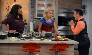 """YOUNG & HUNGRY - """"Pilot"""" - In """"Young & Hungry,"""" two worlds collide when Josh (Sadowski), a wealthy young tech entrepreneur, meets Gabi (Osment), a feisty young food blogger, looking to be his personal chef. (ABC FAMILY/Eric McCandless) KYM WHITLEY, EMILY OSMENT, REX LEE"""